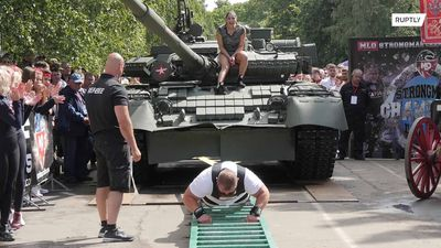 Tank pull competition: international team against Russian T-80