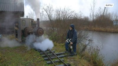 Engineer from Leningrad region creates self-made locomotive