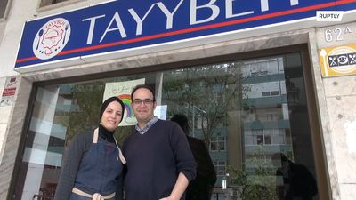 Syrian refugee couple offers free meals to Lisbon's health workers battling COVID