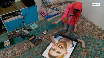 Toe-riffic Iranian artist creates portraits with her feet in Sefidshahr
