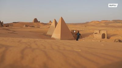 Modern tricks, ancient pitch! Sudanese freestyler shows his skills at Nubian Pyramids