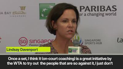 Davenport & Clijsters disagree on on-court coaching