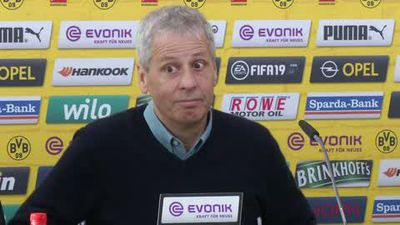 Amusing reaction to Dortmund title bonus question by Favre and Zorc