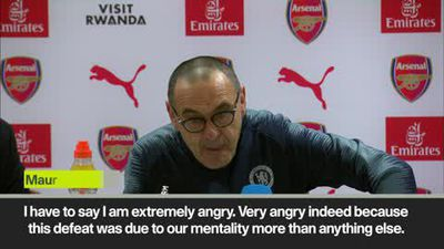 Sarri 'extremely angry' as he slams Chelsea players after defeat