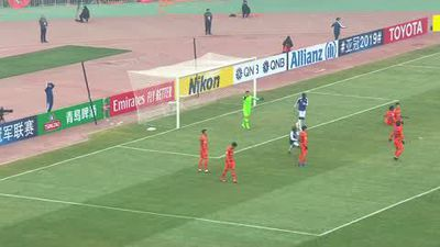 Pelle takes top off in wild celebrations during Shandong Luneng comeback win