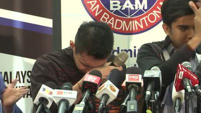 A tearful announcement as cance forces Lee Chong Wei to retire