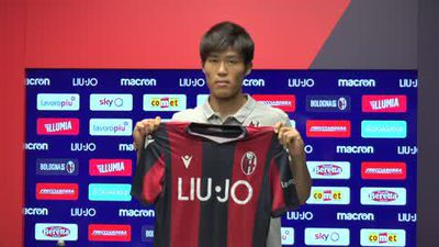 'I want to play for Mihajlovic' Japanese defender Tomiyasu is presented by Bologna