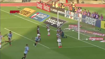 Dani Alves scores in debut for Sao Paulo