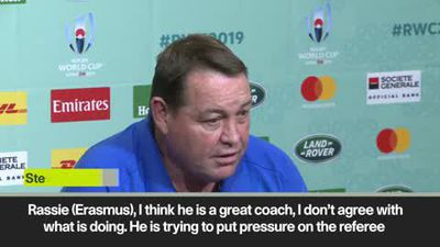 NZ coach Hansen attacks RSA coach Eramus for 'putting pressure on refs'