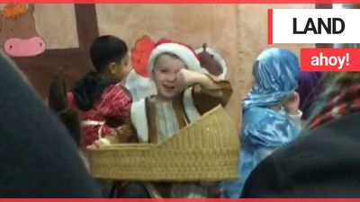 """Boy obsessed with pirates shouts """"Land ahoy!"""" in Christmas nativity"""