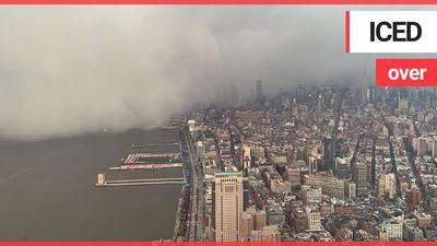 Mesmerising time lapse shows a snow squall engulfed the skyscrapers of Manhattan