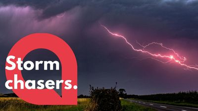 Storm chaser travels over 300 miles to capture these incredible videos