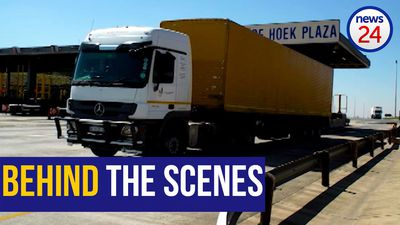 WATCH: Behind the scenes at the De Hoek plaza