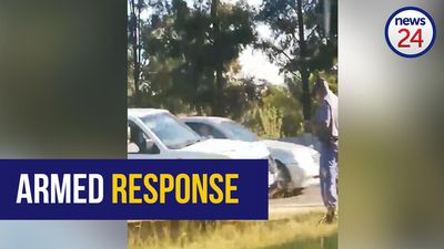 WATCH: Police in pursuit of man who shot woman in the face before turning gun on himself in Fourways