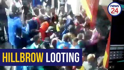 WATCH: Students loot Hillbrow shop