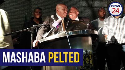 WATCH: Alex residents pelt Herman Mashaba with papers, bottles