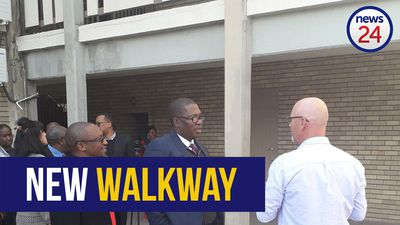 WATCH: Panyazi Lesufi unveils new walkway at Hoërskool Driehoek