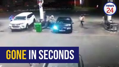 WATCH: Police seek suspect in Phoenix petrol station hijacking