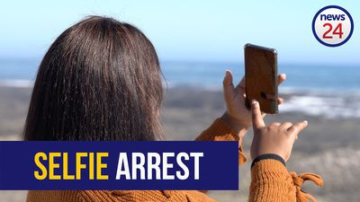 WATCH: Woman arrested while taking selfies in Sea Point to sue the police