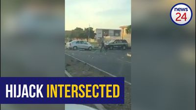 WATCH: Cops shoot hijackers at Cape Town Intersection