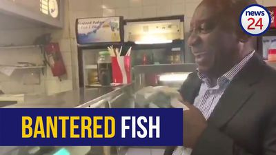 WATCH: Ramaphosa makes surprise stop for Cape Town fish and chips