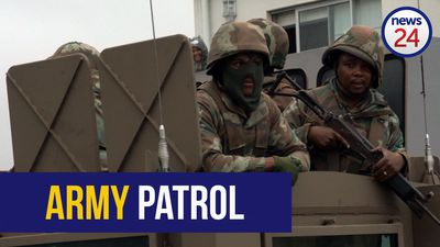 WATCH: Hanover Park and Manenberg welcome soldiers as army arrives