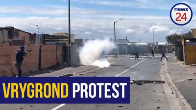 WATCH | Police fire rubber bullets at Vrygrond protesters