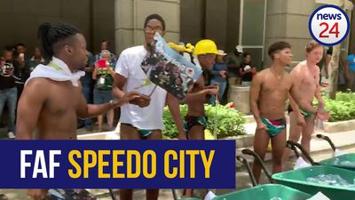 WATCH | Bok fans flaunt Faf speedos as #TrophyTour gets underway