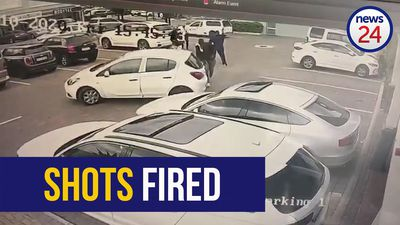 WATCH | CCTV cameras capture dramatic moment man shoots at fleeing robbers at Joburg shopping centre