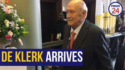 WATCH | FW de Klerk, Kgalema Motlanthe and Siya Kolisi arrive at SONA