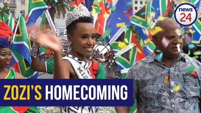 WATCH: Zozi's colourful Cape Town Carnival inspired homecoming parade