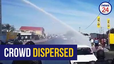 WATCH | Police use water cannons to disperse crowd in Cape Town