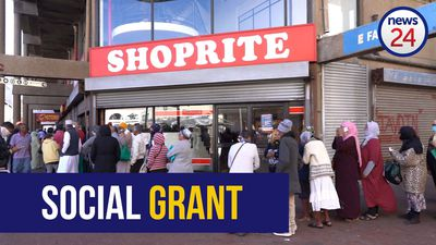 WATCH | Cape Town elderly desperately wait hours for grant money