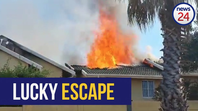 VIDEO | Quick-thinking Joburg man makes narrow escape from burning home