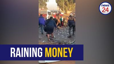 WATCH | Residents scramble for money following alleged cash-in-transit bombing