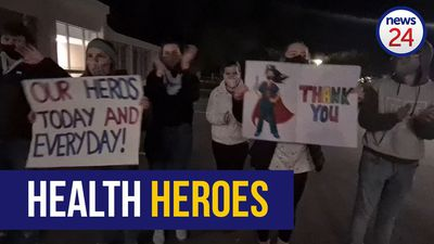 WATCH | Somerset West locals show frontline healthcare workers love