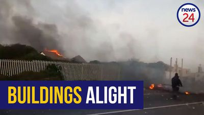 WATCH | Buildings set alight in Monwabisi resort, Khayelitsha during protests for better toilets
