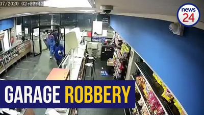 WATCH | About 15 armed men rob Mpumalanga petrol station using high-calibre weapons