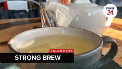 WATCH | Joburg restaurants stick it to alcohol ban, one serves alcohol in teapots