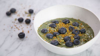 Hormone Detox - Green Smoothie Bowl