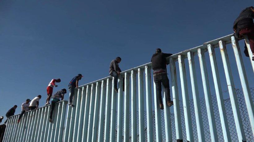 Central American migrants arrive at US border in Mexico
