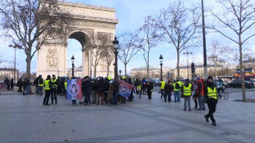 'Yellow Vest' protesters gather on the Champs Elysées
