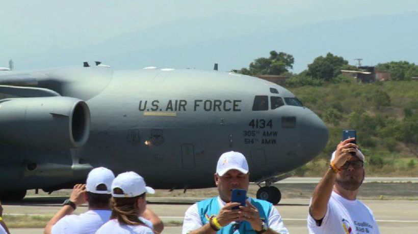 US humanitarian aid for Venezuela arrives in Colombia