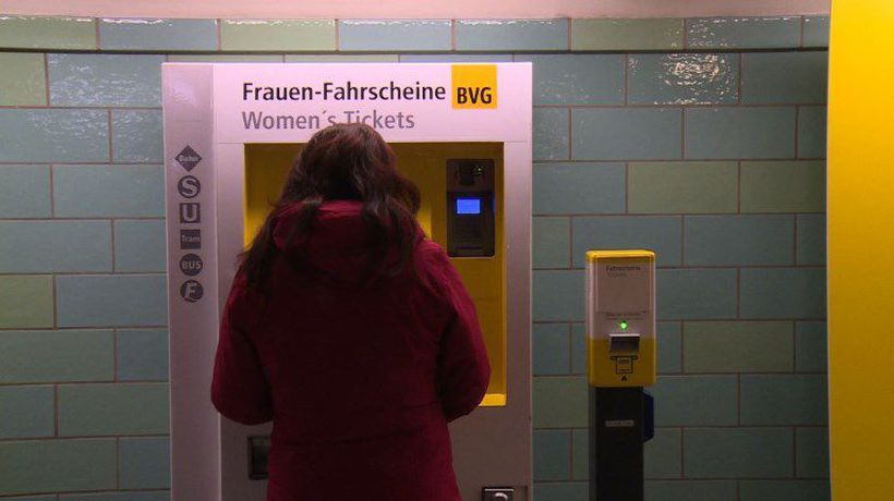 Berlin offers women cheaper transport for 'Equal Pay Day'
