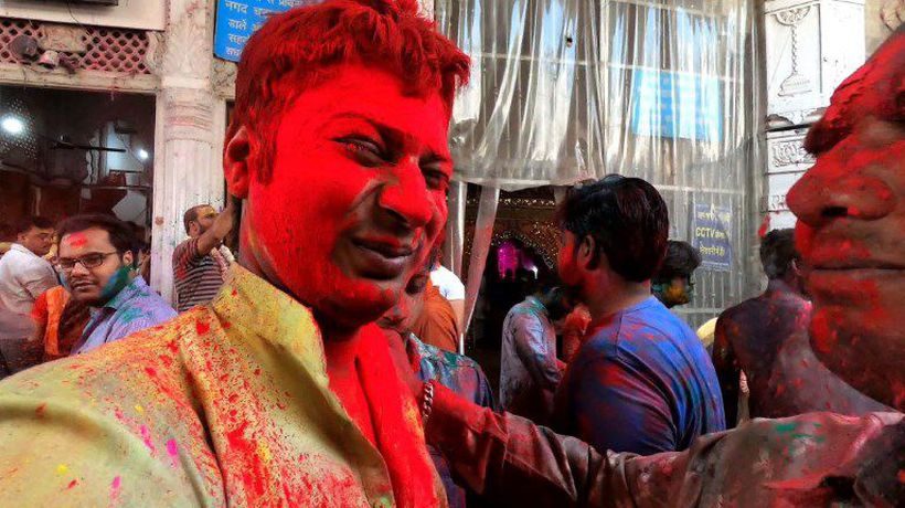 India colours up for Holi festival