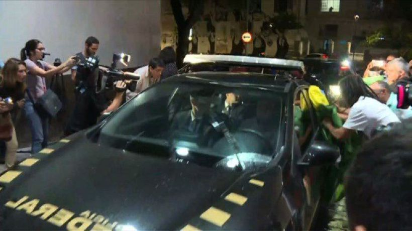 Former president Temer arrives at Rio police HQ after arrest