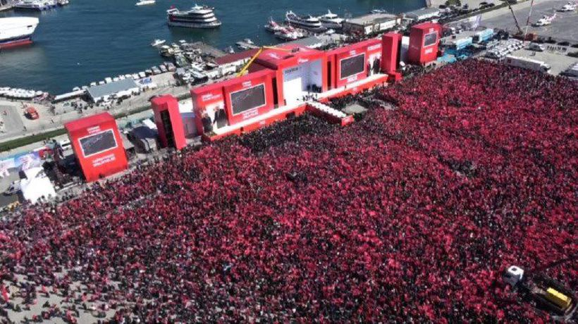 Large crowd attends Erdogan campaign rally in Istanbul