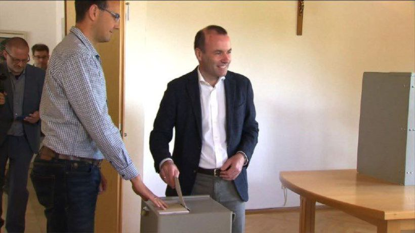 EC President candidate Manfred Weber votes in EU elections