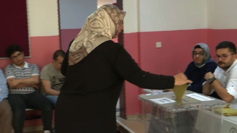 Istanbul votes in re-run of mayoral election