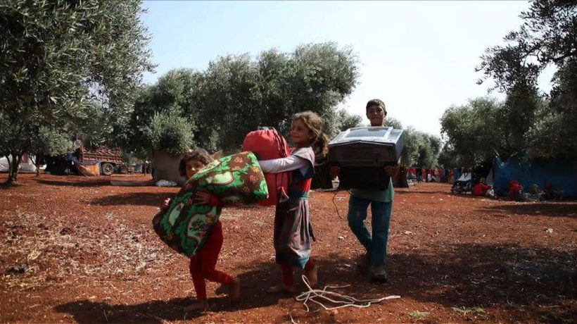 Made homeless by war, Syrians sell furniture to survive